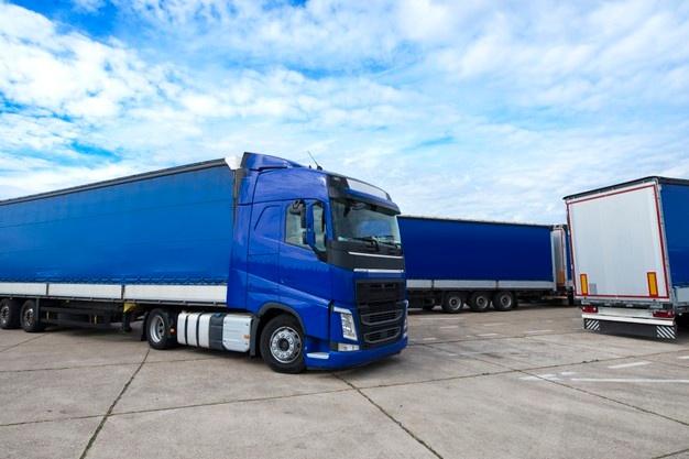 Familia Profesional Transporte y Mantenimiento de Vehículos<br><strong>Conducción de Vehículos Pesados C mercancías</strong>