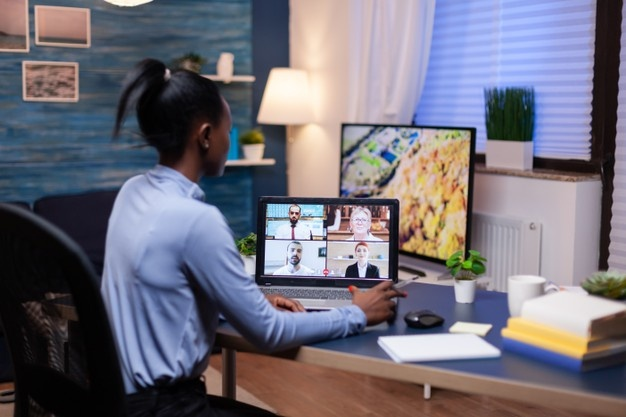 Familia Profesional Administración y Gestión<br><strong>Como organizar una reunión virtual</strong>